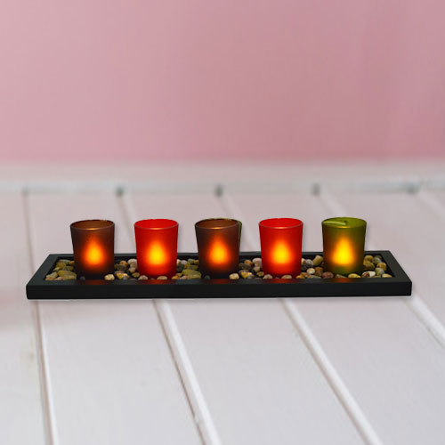 Visually Stimulating Christmas Candles with Festive Spirit