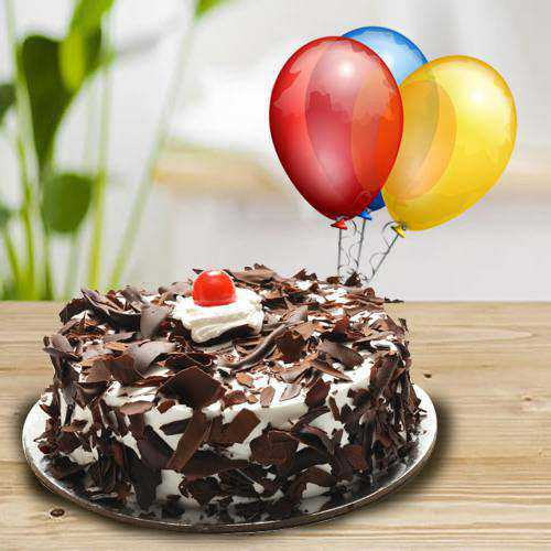 Yummy 1 Kg Black Forest Cake with 5 Balloons