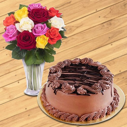 Beautiful charming Roses with a Vase with yummy Chocolate Cake