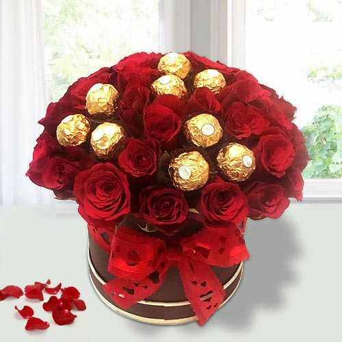 Remarkable Red Roses N Ferrero Rocher in Flower Bucket