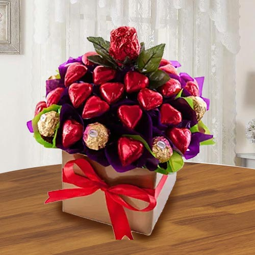 Exclusive Arrangement of Ferrero Rocher n Heart Shaped Hond-made Chocolates