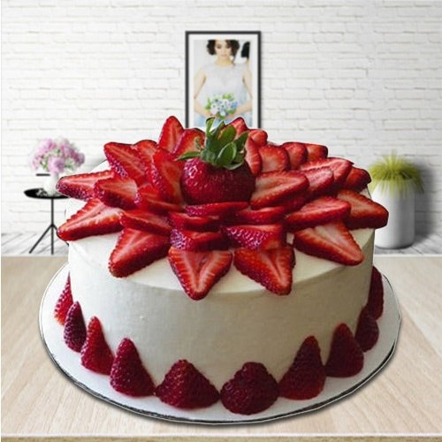 Finery-of-Fruits 2 Kg Strawberry Cake