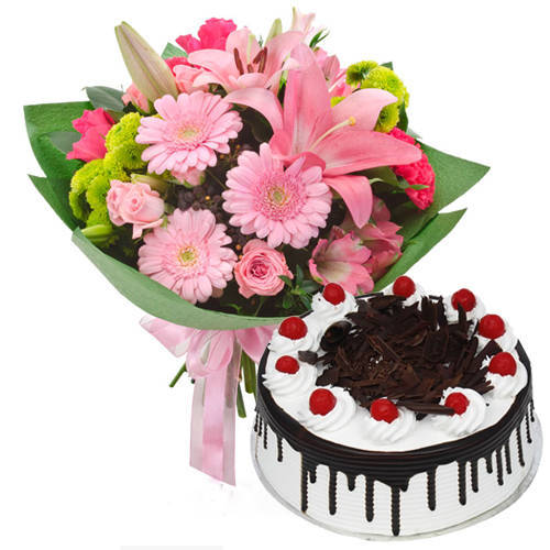 Glorious Combo of Black Forest Cake with Mixed Flower Hand Bunch