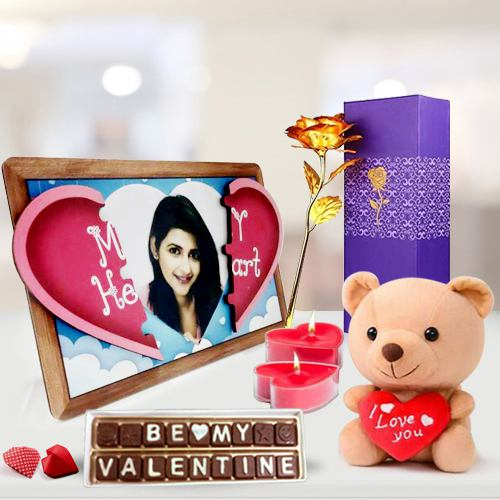 Scintillating Personalized Photo Gift Combo for Propose Day