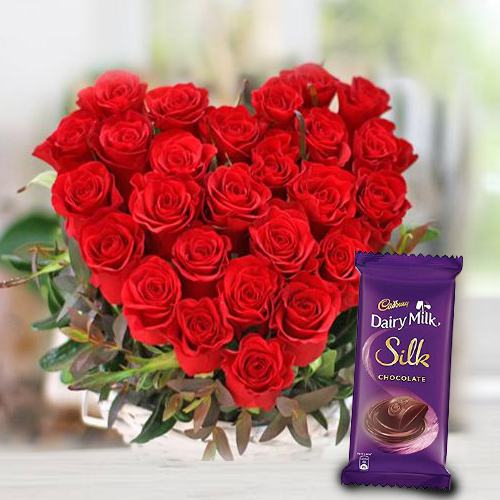 Magical Red Rose Hearty Delight with Cadbury Dairy Milk Silk