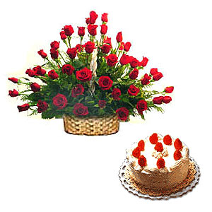 Pretty Red Roses Arrangement with Black Forest cake