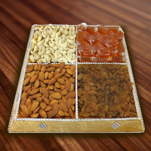 Enticing Gift of Assorted Dry Fruits