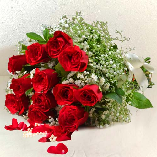 Bouquet of Beautiful Red Roses