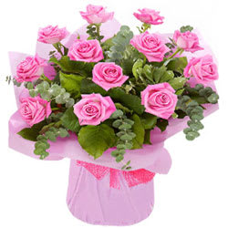 Eye-Catching Pink Roses Bunch