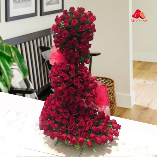 Eye-Catching Red Rose Arrangement (5 ft long - 150 Roses)