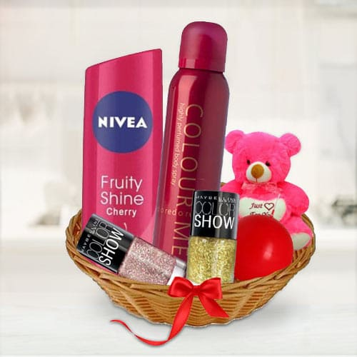 Pretty Ladies Gift Basket of Beauty Products