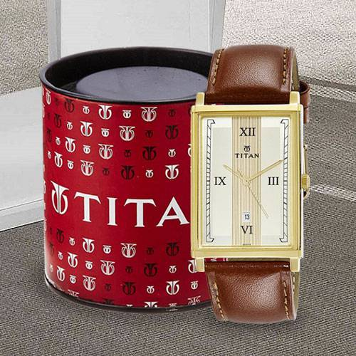 Outstanding Titan Karishma Analog Mens Watch